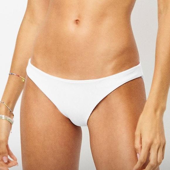 Frankie's Bikinis Other - NWT frankies Shea bottom